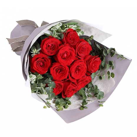 send a bouquet of red roses to japan