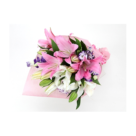 lilies bouquet to japan