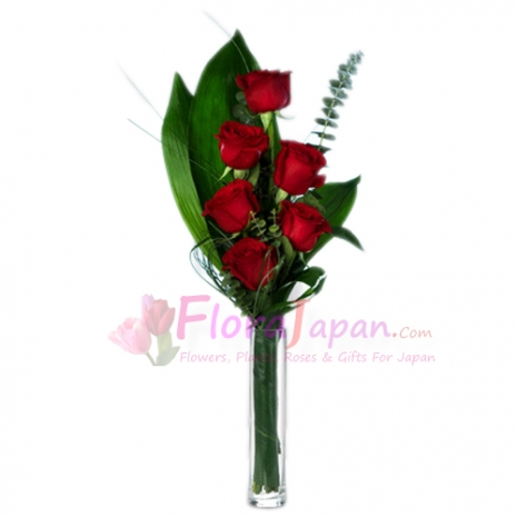send six red roses in glass vase to japan