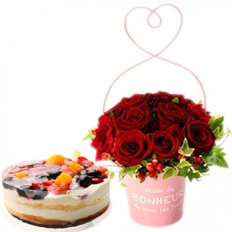 send petit red rose and 4 berries torte to japan